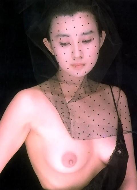 秋吉久美子ヌード画像_9