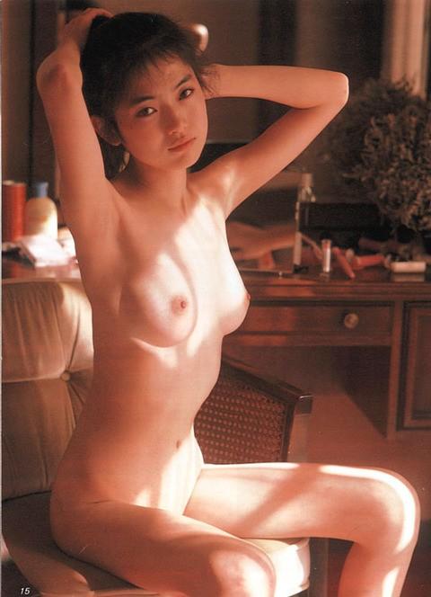 青田典子オールヌード画像_3