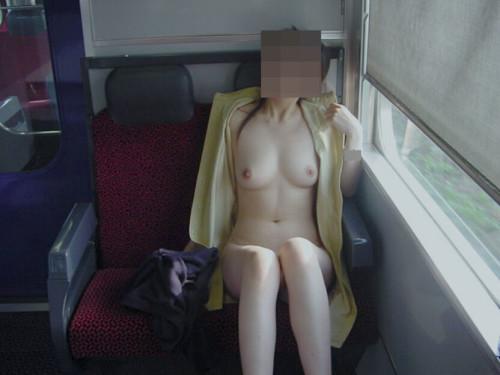 電車露出画像 010