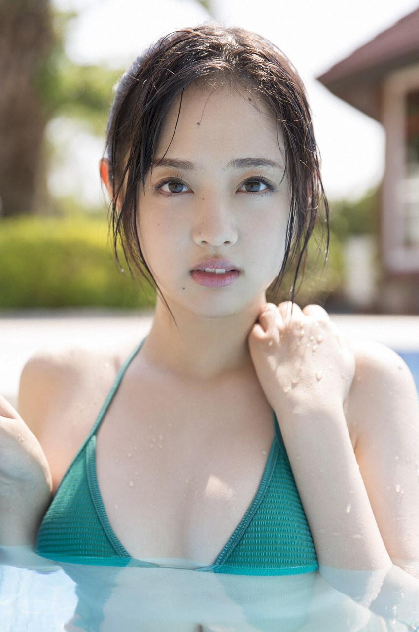 水を浴びている姿がキュートな熊江琉唯の画像♪