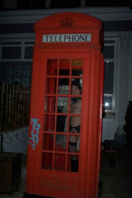 電話ボックスヌード画像 035