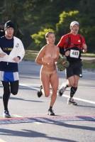 【有名人,素人画像】ぬーどマラソン 画像52枚☆裸や半裸でマラソンしちゃうヌーディスト文化の軌跡的な基地外たちwwwwwwwwwwww  外国人えろ画像