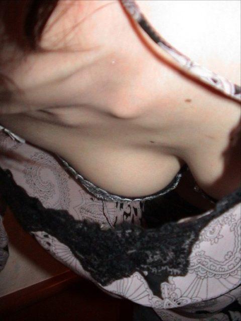 胸チラ 画像075