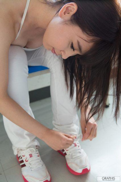 小川桃果 画像041