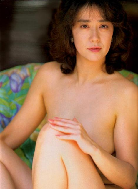 横山エミー 画像036