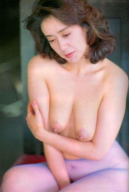 横山エミー 画像045