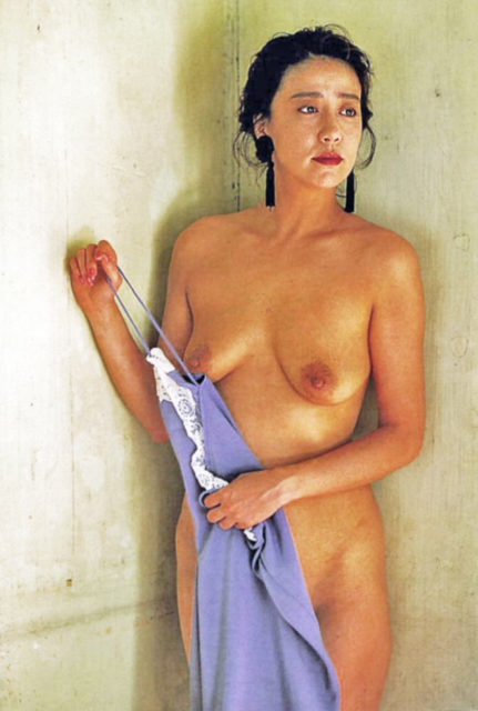 横山エミー 画像056
