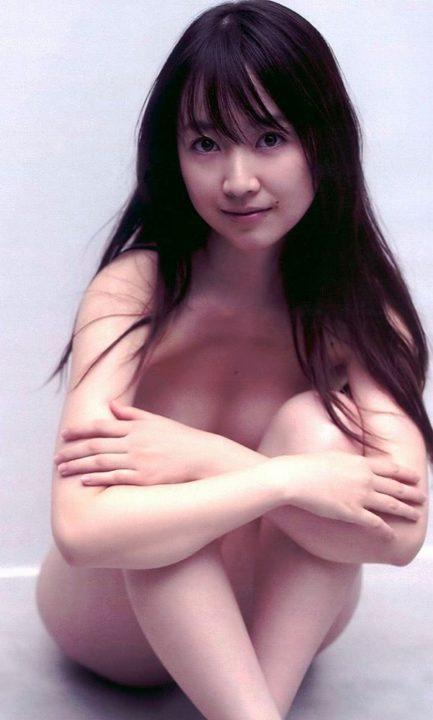 セミヌード画像 150