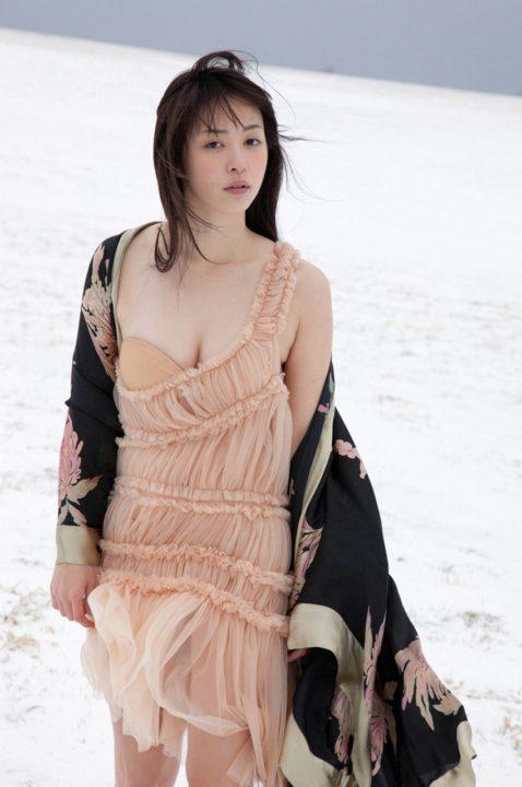 岩佐真悠子 画像069